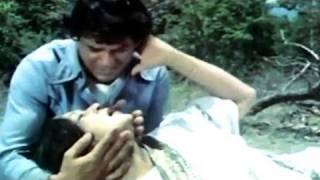 Dharmendra, Nirupa Roy, Maa - Emotional Scene 11/14