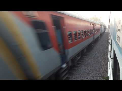 14235.Bsb bareilly express..Over taking by 14206 new dehli faizabad sf express..