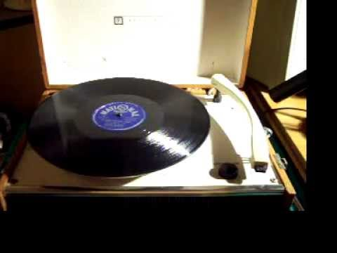 Penncrest 4 Speed Phonograph Portable Record Player 50 s .MOV