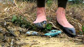 crush toycar outdoor part1