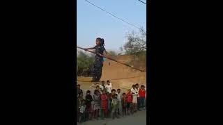 Amazing Rope dance by poor indian child girl (HindiJokes.mobi)