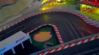Carrera Digital 1:24 Noch mehr Deko am Meßberg Porsche  GT3 gegen Porsche GT3