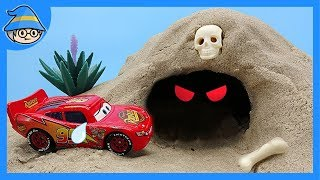 Disney Cars Toys Lightning McQueen There is a ghost in the cave! Story of toy ghosts.