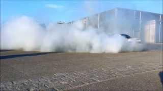 BMW M3 E30 drifting donuts