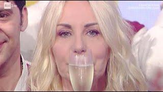 """Antonella Clerici a Elisa Isoardi: """"in bocca la lupo col cuore"""" (Foto)"""