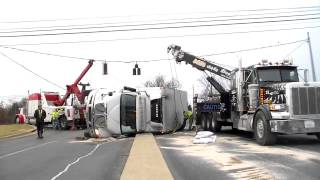 Time Lapse - Recovery of overturned milk delivery truck - 1/23/2015 - Elizabethtown, KY