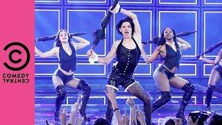 🔴 Tom Holland Performs Rihanna