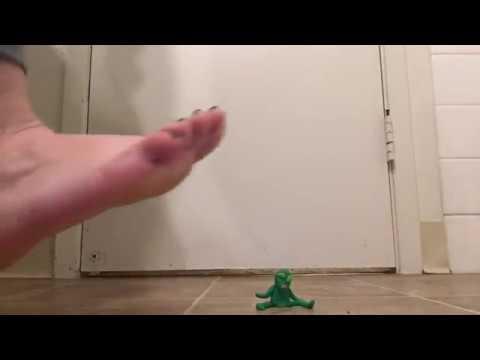 Xxx Mp4 Goddess Freya Feet Tiny Alien Meets Giantess Freya 3gp Sex