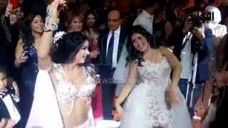 """""""آلا كوشنير"""" تتحدى عروسًا بوصلة رقص مثيرة في حفل زفافها"""
