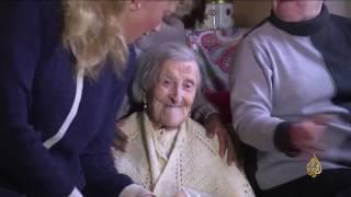المعمرة الإيطالية إيما تحتفل بعيد ميلادها الـ 117