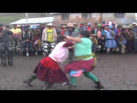 TAKANAKUY DE MUJERES 2012 HUARACCO CHUMBIVILCAS