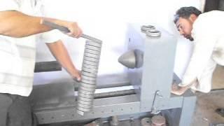 ماكينة تشكيل حديد مشغول بايدى مصرية ( رائد الحداد )