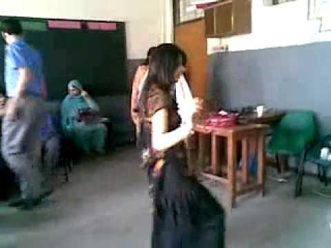 GIRLS DANCE IN COLLEGE  GREAT PASHTO MUSIC QALDARA DARGAI MALAKAND AGENCY PASHTO FUNNY DANCE 360p