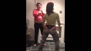 2 drunken women dancing soooo funny