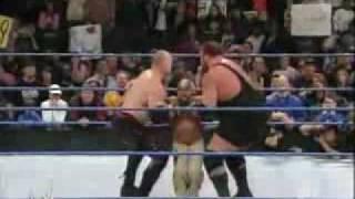 Smackdown - Undertaker Saves Rey Mysterio