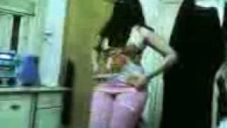 رقص سعودي بواسطه السنونو.3gp