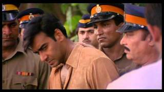Criminal Escapes From Custody - Ajay Devgan - Akshaye Khanna - Deewangee - Most Popular Movies
