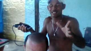 O cabeleleiro do novinho