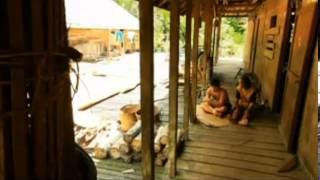Jejak Petualang Suku Dayak Iban