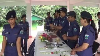 নবাগত পুলিশ সদস্যদের ট্রেনিং এ যাওয়ার পূর্বে ফুলের শুভেচ্ছা প্রদান।। BD Police Training-2