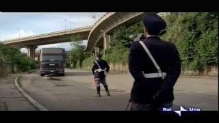 Polizia ferma camionista alta velocità