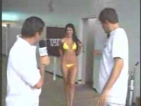 fuera de lugar 5 la hinchada y laura acuña en bikini