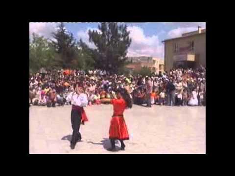 23 nisan dünya çocukları dans gösterisi