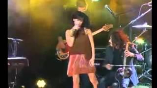 ریتا خواننده مشهور ایرانی اسرائیلی، در صحن سازمان ملل ترانه های فارسی  میخواند