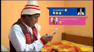 Cholo Juanito con el celular