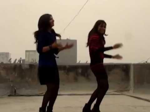 Gangnam Style - Beautiful DU Desi Girls Dancing on Terrace