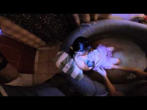 La Bebé que nació bajo el agua en su casa en Isabela PR