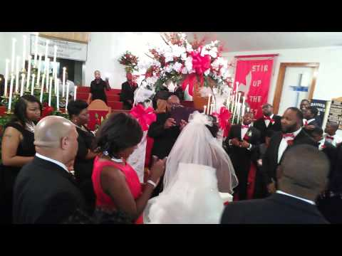 Praise Break at Martineous & Jasmine Tyler wedding