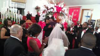 Praise Break at Martineous & Jasmine Tyler wedding