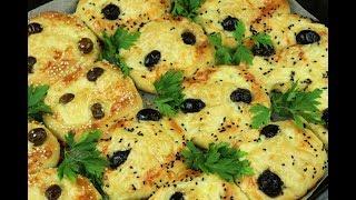 معجنات الجبنة والزيتون لفطور صباحي سريع فطائر مدرسية مغذية بالجبن والزيتون مع رباح ( الحلقة 541 )