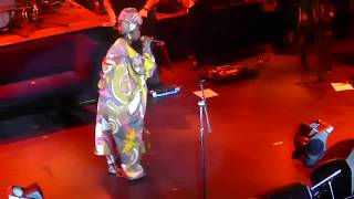 Lauryn Hill Freestyles to Drake's