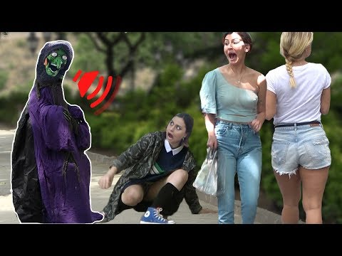 SCARY HALLOWEEN GHOST PRANK 👻 Best of Just For Laughs AWESOME REACTIONS