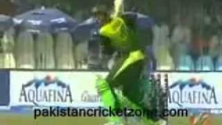 Shoaib Malik 4 sixes and half century vs South Africa