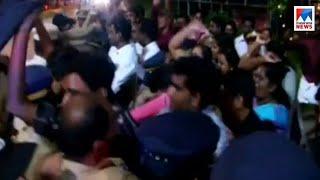 കടകംപള്ളി സുരേന്ദ്രനെ ബിജെപി പ്രവര്ത്തകര്  കരിങ്കൊടികാട്ടി | Kadakampally