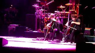 2 CELLOS- SMOOTH CRIMINAL - ELTON JOHN TOUR MELBOURNE 2011