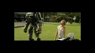 """Human and robot dancing in """"Real Steel"""" movie."""