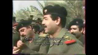 القائد صـدام حسين  يزور  احـد جـبهات القتـال ويطمئن علي الجنــود