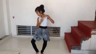 Barso re megha dance by cute little girl khushi.....
