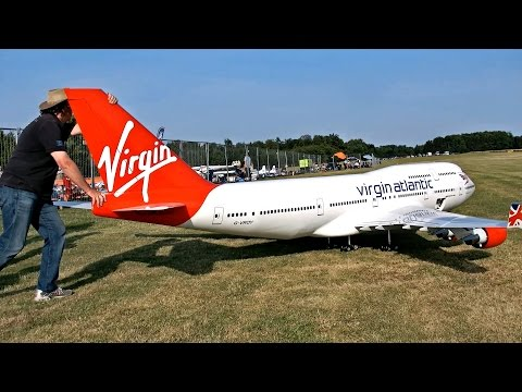 NEW BIGGEST RC AIRPLANE IN THE WORLD BOEING 747-400 VIRGIN ATLANTIC AIRLINER