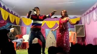 Dehiya Jawan Chikan Samaan - Stage Hot Dance