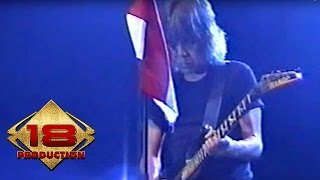 God Bless - Sesat  (Live Konser Pekalongan 18 Agustus 2006)