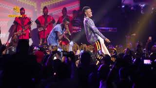 WIZKID SIGNS YOUNG RAPPER, AHMED TO STARBOY WITH 10 MILLION NAIRA AT WIZKID THE CONCERT