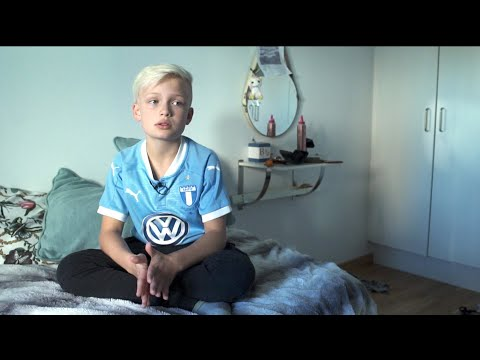 Xxx Mp4 Julle Kastades Ur Fotbollslaget 8 år Gammal Nyheterna TV4 3gp Sex