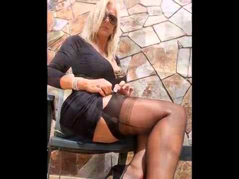 Mature legs and nylons-.
