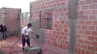 Máquina de Chapiscar e Rebocar - Treinamento Construtora LR Brasil [Campos do Jordão-SP]