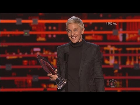 Ellen Wins the People's Choice Humanitarian Award